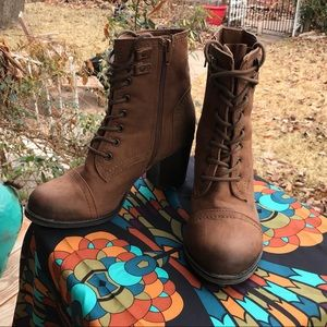 EUC ~ Madden Girl lace up boot